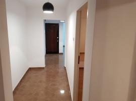 Aparatorii Patriei Apartament 4 camere,Nemobilat, renovat