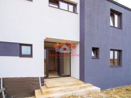 Ap.INTABULAT, 3 camere, etaj intermediar, balcon generos