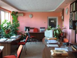 Apartament ultracentral - recompartimentat pentru birouri