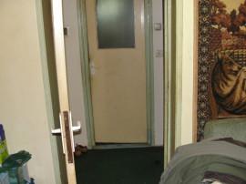 Apartament 2 camere in deva str zamfirescu gojdu