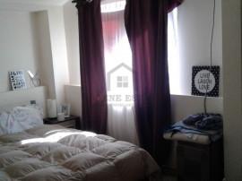 Apartament cu 3 camere, decomandat, la mansarda, zona Gir...