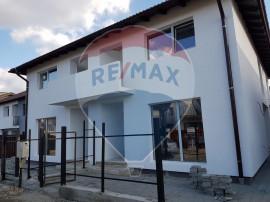 Casa Triplex   Curte + Gradina 180 mp   0% Comision   Pre...