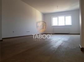 Apartament 3 camere decomandate 86 mp utili cu terasa si bal