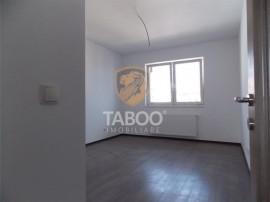 Apartament cu 2 camere decomandate 48 mp utili si loc parcar