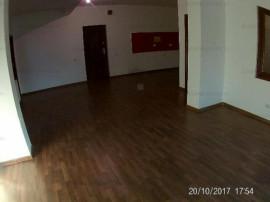 Apartament in vila, spatios si aerisit, totul nou