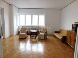 Apartament 4 camere in Centru