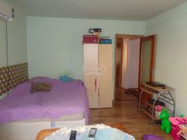 Apartament cu 2 camere decomandate, ideal investitie, str...