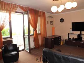 Apartament 3 camere bloc mic tip vila zona Gruia