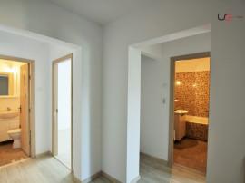 3 camere2 bai, 2 balcoane renovat, etajul 3 zona Dacia