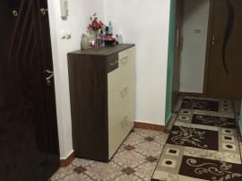 Proprietar - apartament 2 camere decom, zona Tractorul