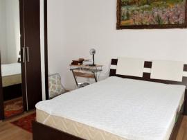 Apartament decomandat, cu balcon, zona Profi Eroilor