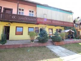 Apartament cu 3 camere de închiriat în zona Sub Arini