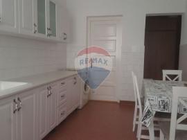 Apartament in centru str. Baba Novac