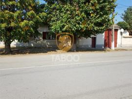 Casa saseasca cu 6 camere de in Petresti judetul Alba