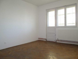 Apartament 2 camere, decomandat