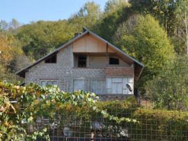 Casa + teren intravilan in Darmanesti Dambovita