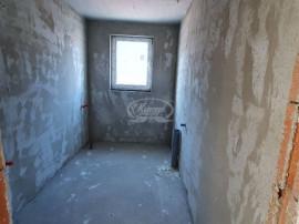 Apartament 2 camere si curte de 100 mp