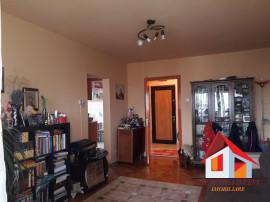 Apartament 2 camere CETATE - zona buna