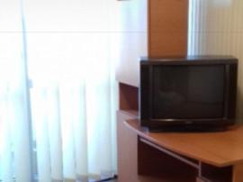 Închiriez apartament cu 3 camere Str.Negoiu