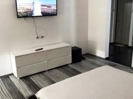 Apartament cu o camera, decomandat, lux, in Mazepa 1, Faleza