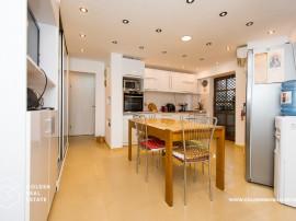 Apartament 3 camere, zona Alfa, etaj 1, amenajat modern