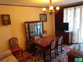 Apartament 3 camere, 56 mp Calea Bucurest