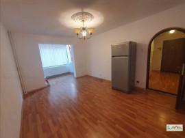 Apartament 3 camere decomandat etajul 1 Astra 107M1