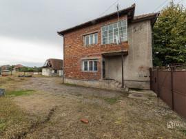 De vânzare casă solidă din cărămidă cu 4 camere în...