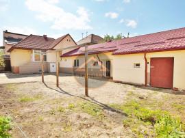 Teren cu casa renovabila zona Spitalului Judetean