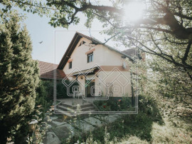 Casa in Talmaciu - 5 camere - curte libera generoasa