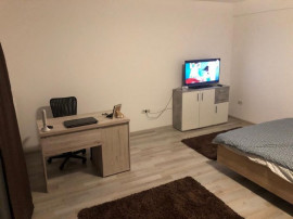 Inchiriez apartament o camera zona Modern