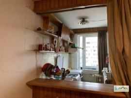 Garsoniera etaj intermediar Calea Bucuresti, 1050E