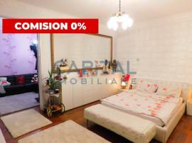 Apartament cu 3 camere semidecomandat situat Central, Cluj-N