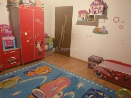 Apartament de 3 camere decomandat 84 mp UTILI