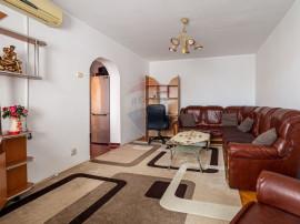 Apartament cu 4 camere de vânzare în zona Aurel Vlaicu