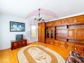 Apartament cu 3 camere de închiriat în zona Fortuna