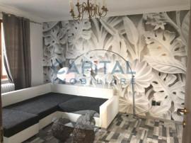 Apartament cu 2 camere decomandat in Piata Mihai Viteazu.
