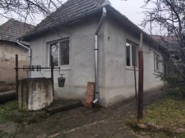 Casa in comuna brusturi