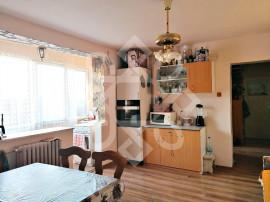 Apartament trei camere, etaj 2, Cantemir, Oradea