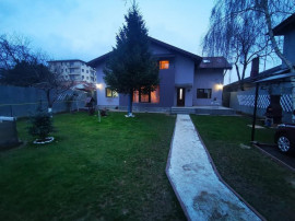 Casa single 4 Camere 400 mp curte libera