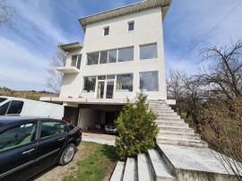 Vila in Campina,cartier Muscel,D+P+E+M,5 camere,3 bai,garaj!