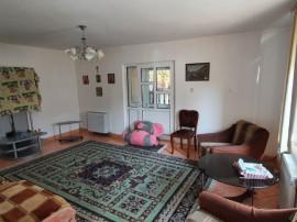 Bunavestire - etaj la casa, curte, foisor la 500 euro/luna