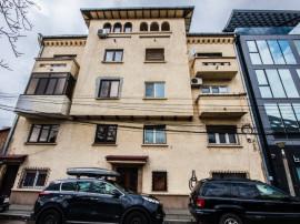 Mosilor- Apartament in vila interbelica cu personalitate