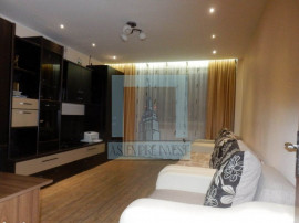 Apartament 3 camere - zona Vlahuta