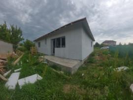 Casa individuala in curs de finalizare/ zona Varteju