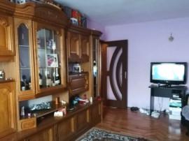 Apartament cu 2 camere, decomandat, sub Stadion Cetate