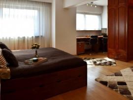 Apartament 2 camere 101 mp, zona Unirii / Sf. Vineri