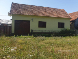 Casa 3 camere, 4320 mp teren, localitatea Bata, COMISON 0%