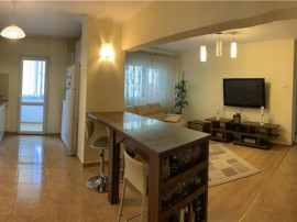 COLOSSEUM: Apartament 3 camere - zona Calea Bucuresti