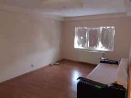 Apartament 3 camere,zona Buzaului,etaj 4,id 13966
